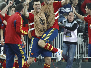 Los jugadores españoles celebran la victoria ante Rusia
