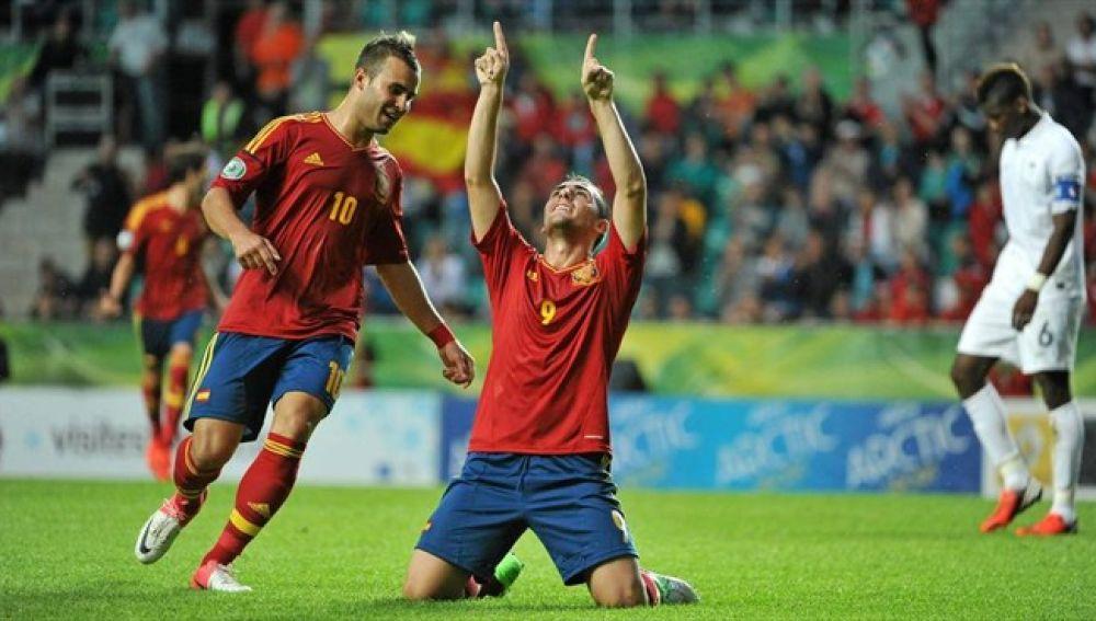 Paco Alcácer celebra su gol ante Francia