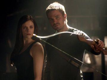 Oliver enseña a Helena otra forma de hacer justicia
