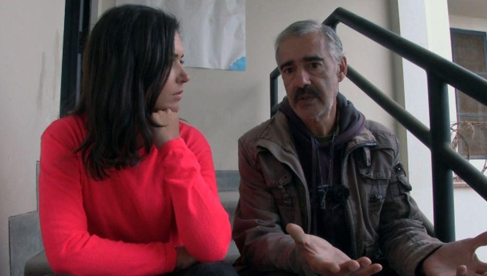 Juan Manuel habla con Alejandra Andrade sobre lo que ocurre en el pabellón