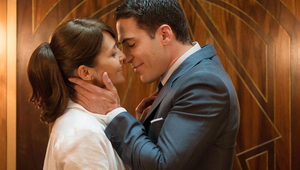Ana y Alberto aprovechan cualquier momento para quererse en secreto