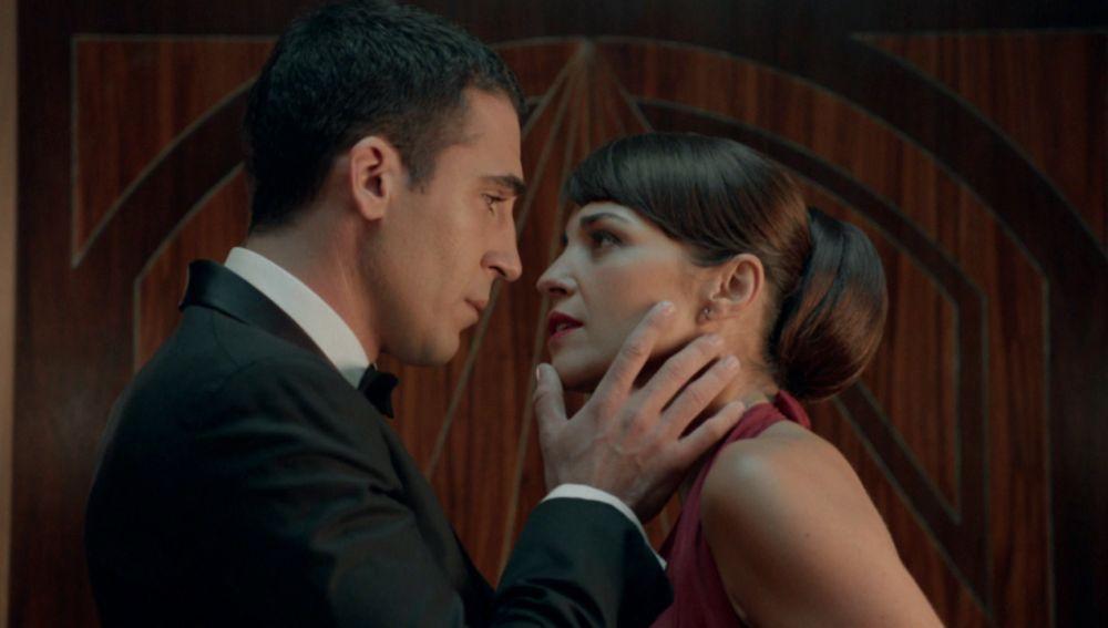 Alberto rechaza a Ana roto de dolor