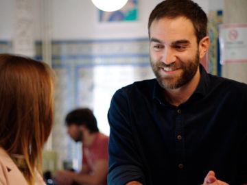 Iñaki se queda en Sevilla como cocinero y... por Carmen