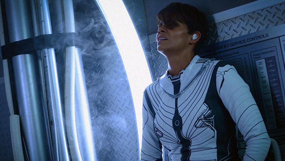 Halle Berry en una escena de la serie Extant