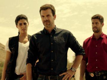 Lola, Héctor y Salva